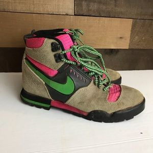 Nike lava high hiking shoes rare women's 8